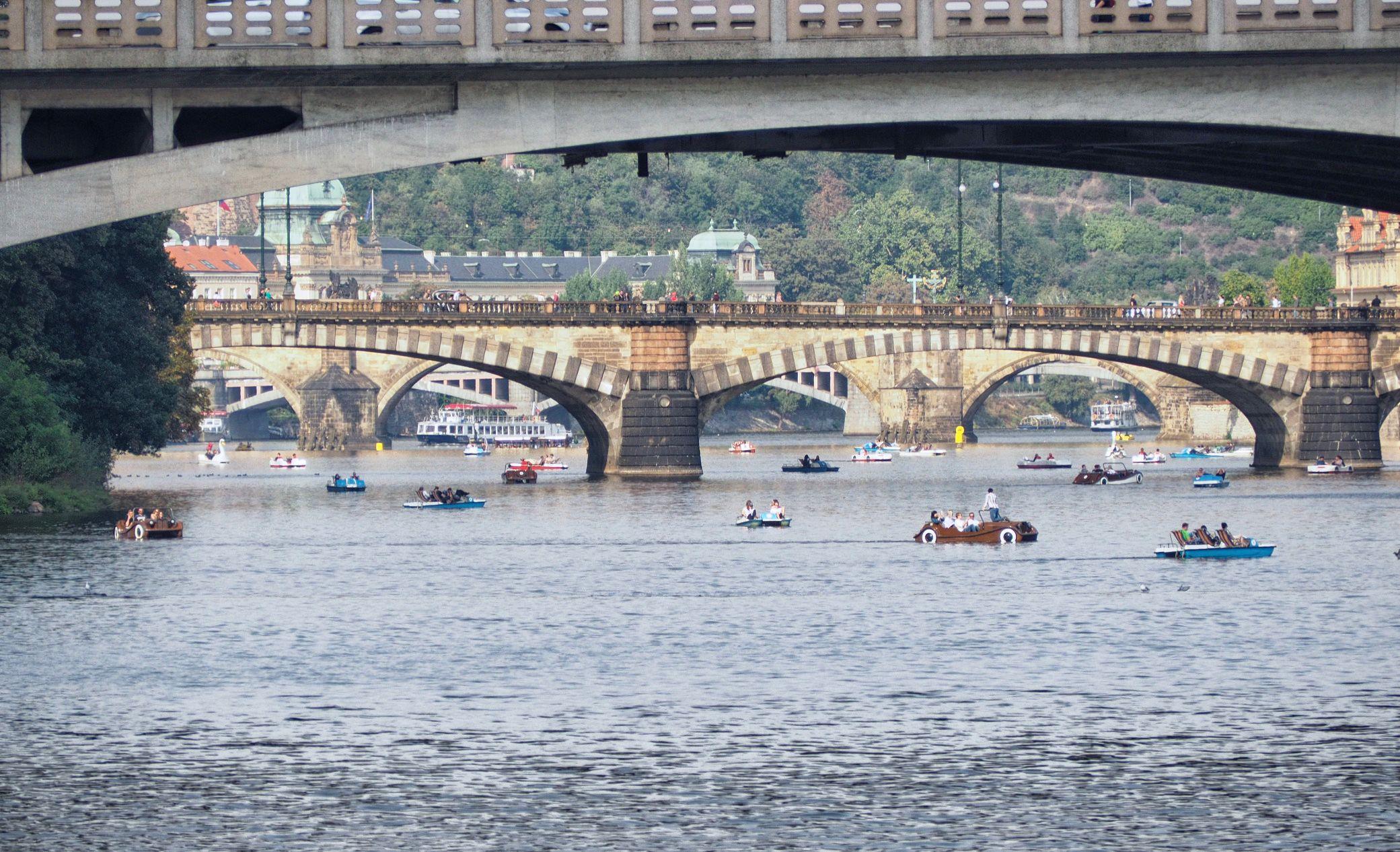 Mezi mosty na vodě